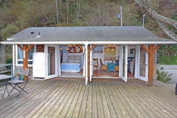 camano-island-beach-cottage--smallhousebliss-001