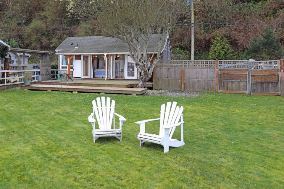 Camano Island Beach Cottage  Smallhousebliss 011