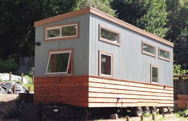 charming-340-sqft-tiny-home-wheels-for-sale-018