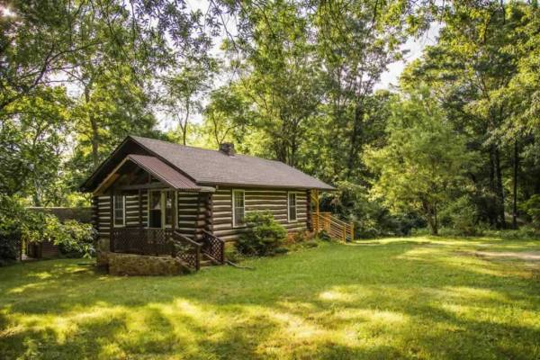 classic-log-cabin-downtown-asheville-012