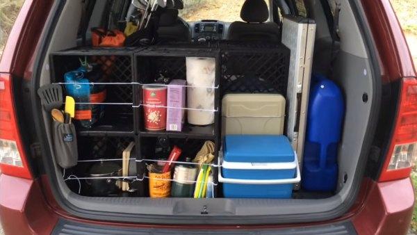couple-convert-minivan-into-DIY-camper-003