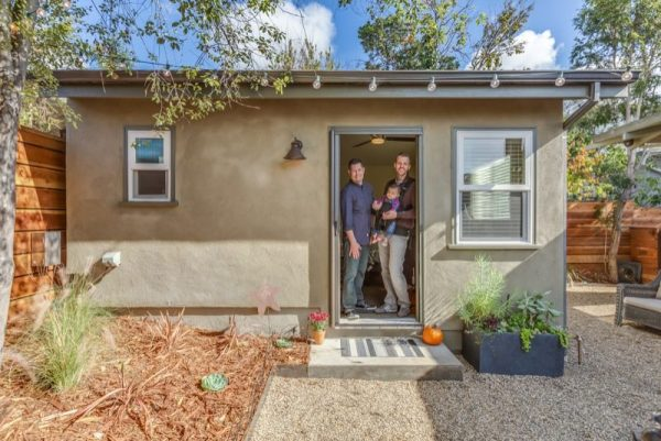 couples-250-sq-ft-tiny-guest-house-by-