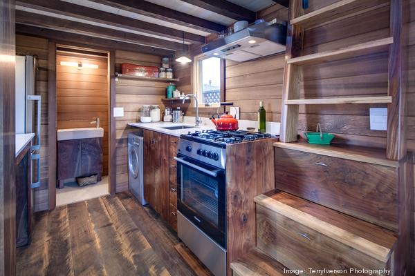 couples-backyard-tiny-house-on-wheels-06