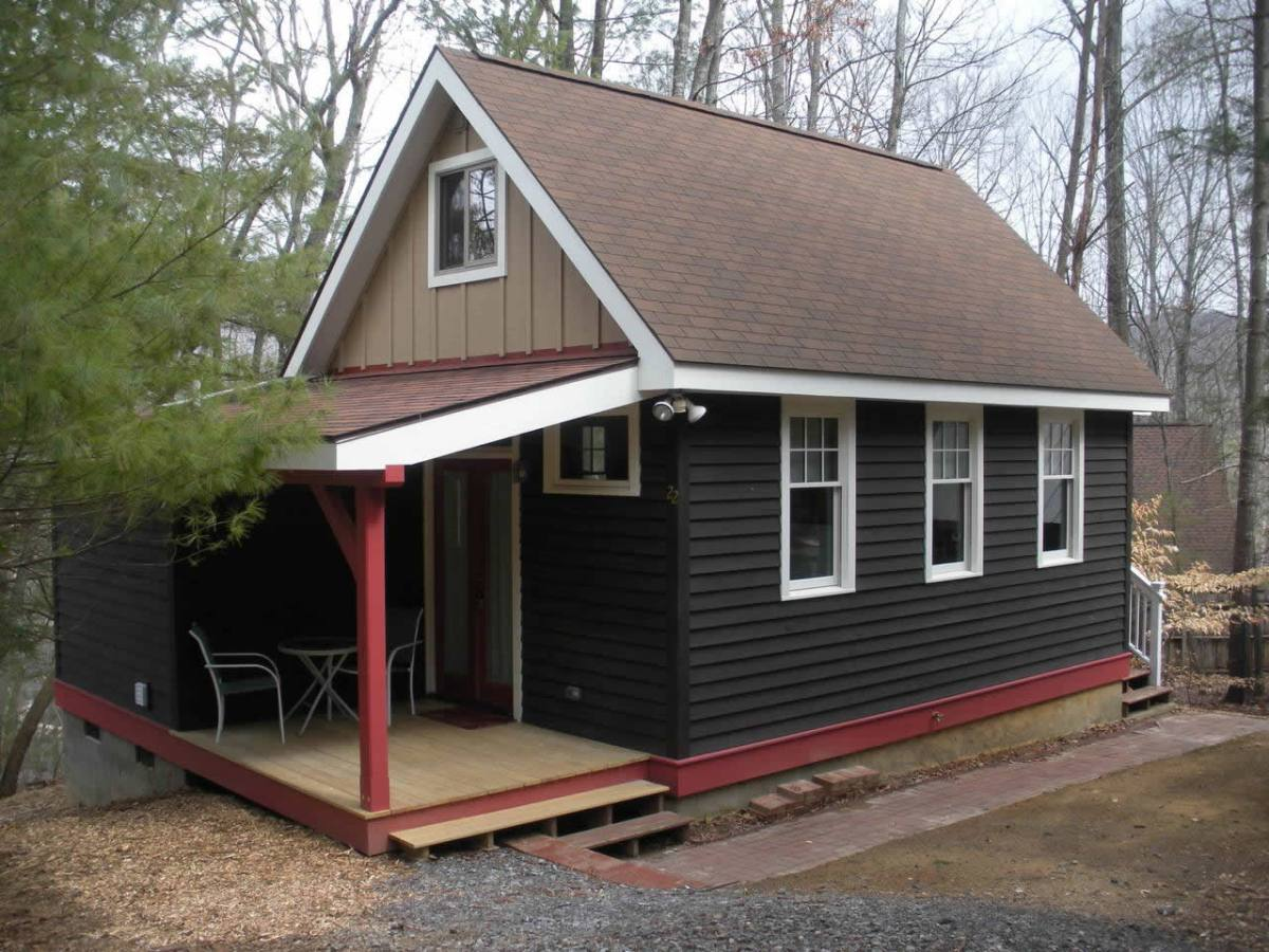 Cozy tiny cottage in asheville for Tiny cottages