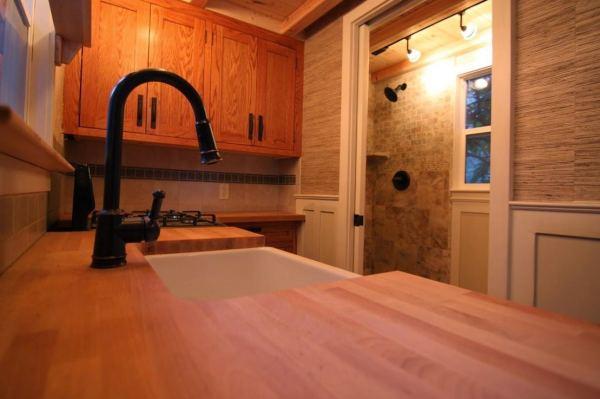 craftsman-style-bungalow-molecule-tiny-home-009