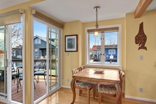 craftsman-style-portage-bay-float-house-living3-via-smallhousebliss