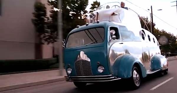 decoliner-motorhome-w-balony-cockpit-jay-leno-garage
