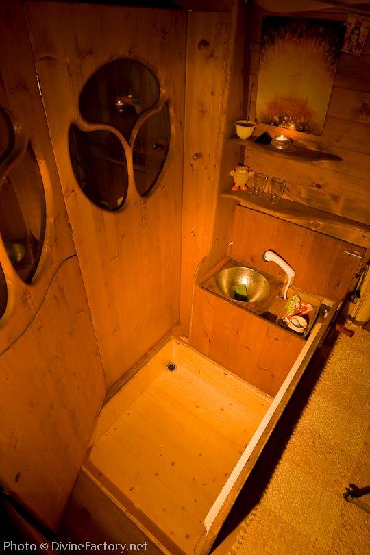 dipa-vasudeva-das-work-van-to-tiny-cabin-conversion-diy-motorhome-008