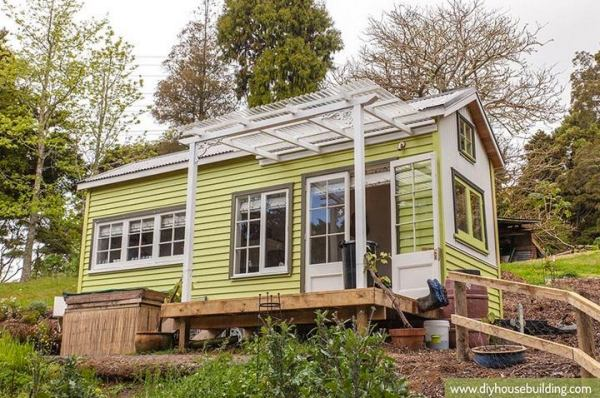 diy-house-building-young-family-tiny-house-and-plans-01
