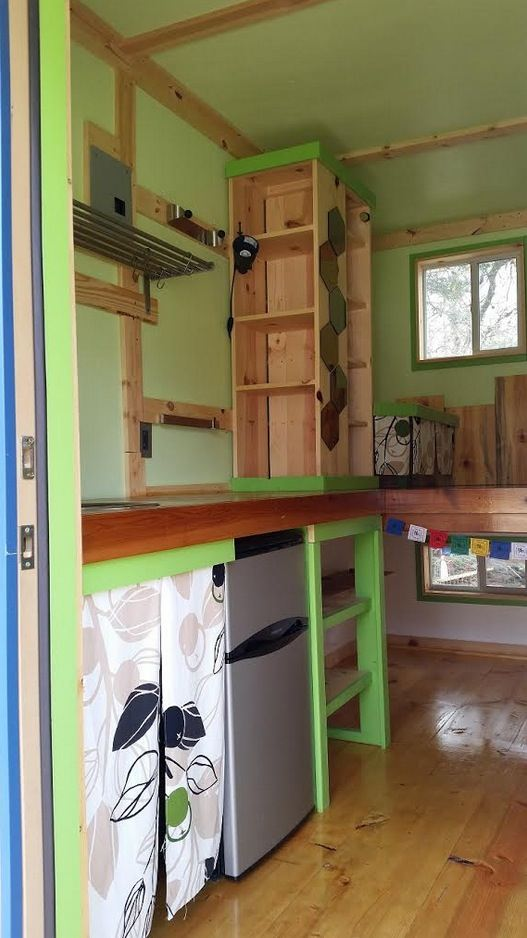 ethan-and-kelseys-tiny-house-on-wheels-for-sale-07