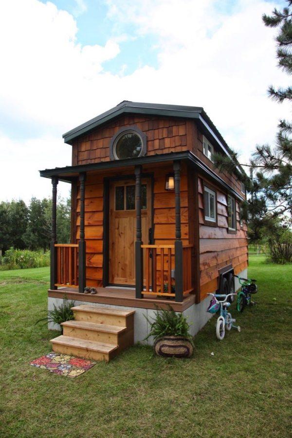 family-4-tiny-house