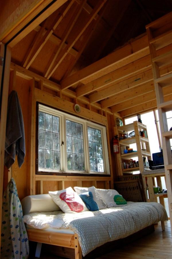 familys-7k-tiny-cabin-05