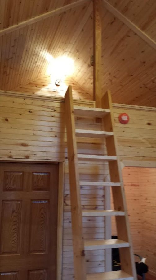 father-son-392-sq-ft-tiny-cabin-for-sale-005