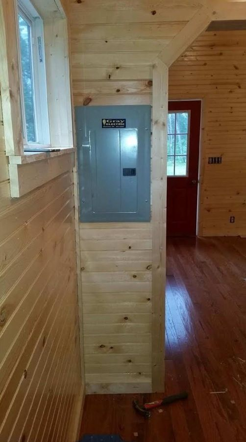 father-son-392-sq-ft-tiny-cabin-for-sale-008