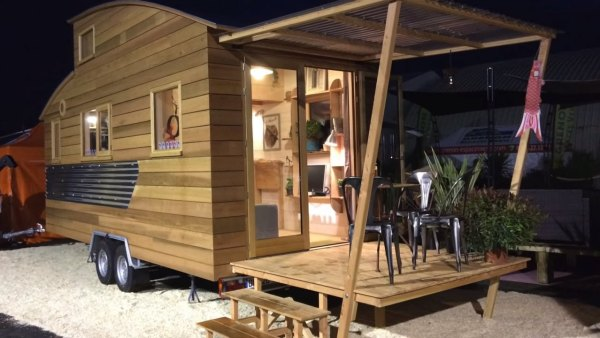french-tiny-house-builder-tour-la-tiny-house-company-009