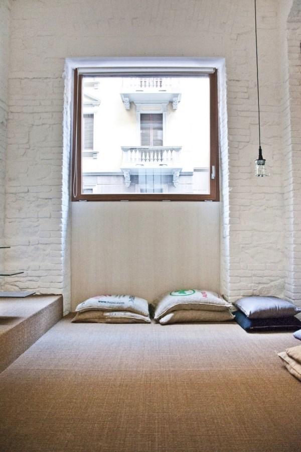 from-shop-to-loft-tiny-loft-apartment-005