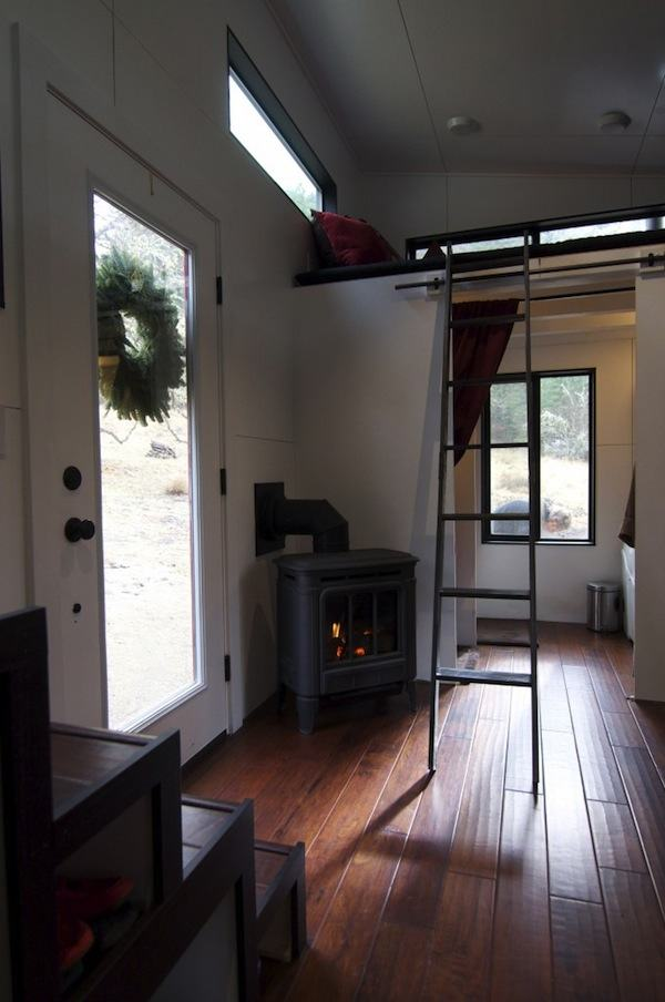 gabriella-and-andrew-modern-tiny-house-build-0012