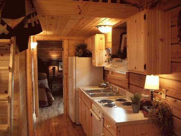 gastineau-oak-log-cabins-to-go-on-wheels-0011