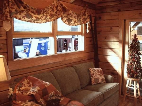 gastineau-oak-log-cabins-to-go-on-wheels-0012