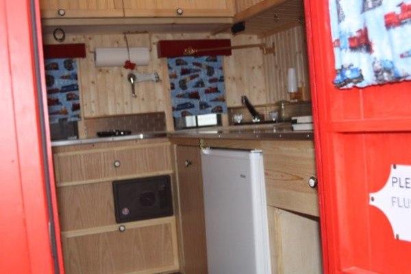 glenn-wallin-sr-diy-caboose-micro-camper-002