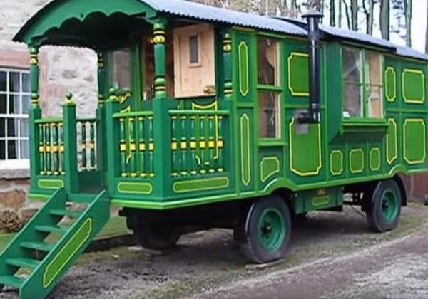 green-wagon-001