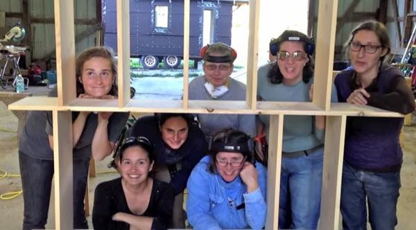 hammerstone-school-hands-on-tiny-house-carpentry-for-women-002