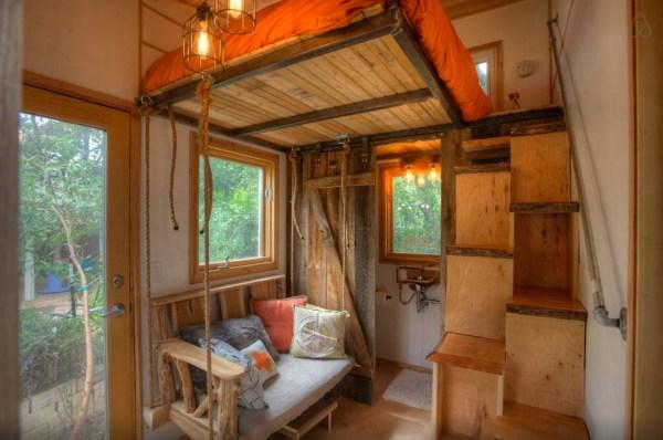 hip-tiny-house-vacation-in-austin-texas-0004