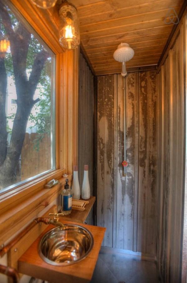 hip-tiny-house-vacation-in-austin-texas-0009