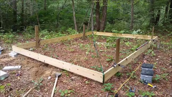how-to-build-your-own-tiny-cabin-002