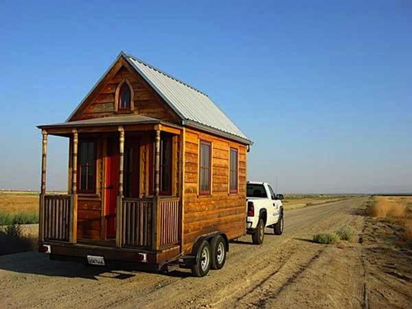 Jay Shafer with his Tumbleweed Epu Tiny House