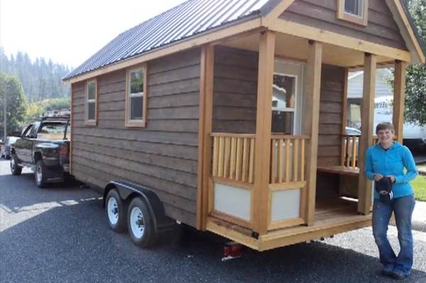 Tiny house on a trailer construction time lapse video for Small homes built on trailers