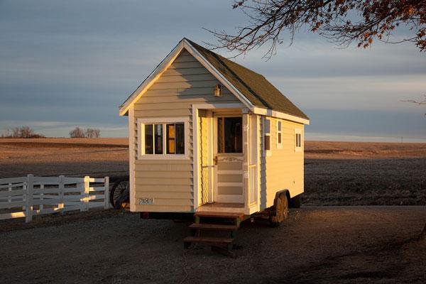 Johnny Spire's Luxurious Tiny House On Wheels