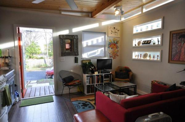 kanga-280-sq-ft-tiny-home-in-the-city-06