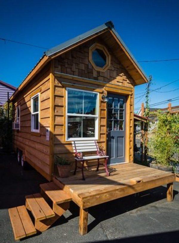 kangablue-170-sq-ft-tiny-house-on-wheels-at-caravan-hotel-001