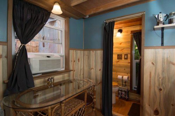 kangablue-170-sq-ft-tiny-house-on-wheels-at-caravan-hotel-006