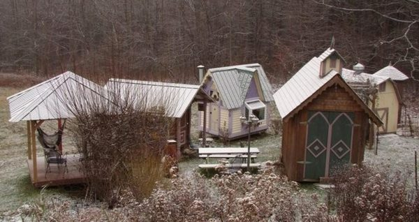 karenville-micro-house-village-0010