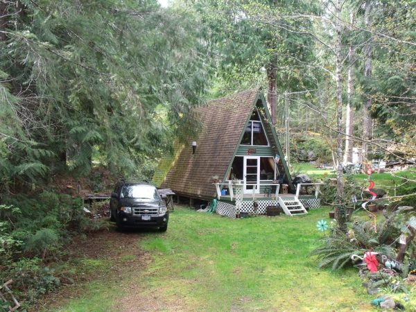 little-a-frame-cabins-on-the-sunshine-coast-0001