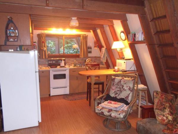 little-a-frame-cabins-on-the-sunshine-coast-0004