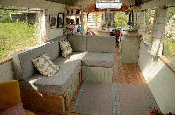 majestic-bus-tiny-house-conversion-002