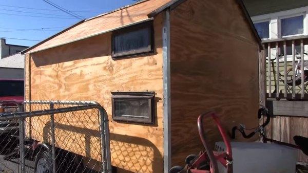 man-builds-cheap-micro-camper-012