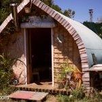 man-builds-tiny-cabin-using-OSD-001