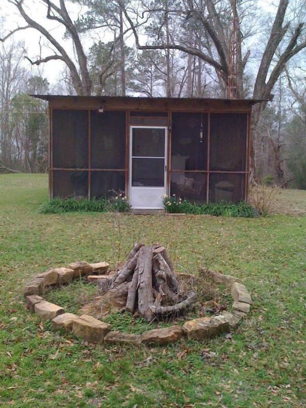 mans-diy-tiny-cabin-for-affordable-living-01