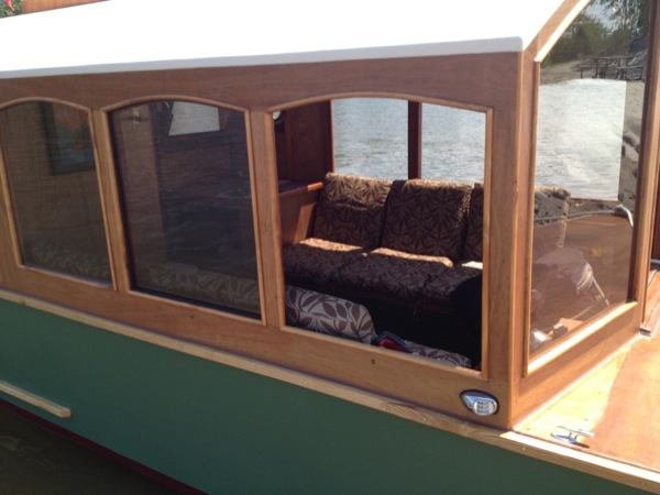 micro-boathouse-diannes-rose-005