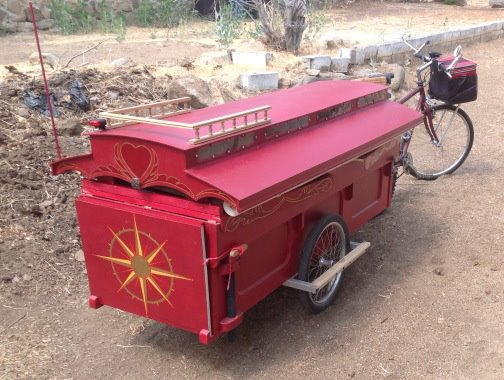 micro gypsy wagon for bicycles 11   Micro Gypsy Wagon That You Can Tow by Bicycle