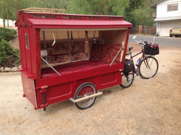 micro gypsy wagon for bicycles 13 600x447   Micro Gypsy Wagon That You Can Tow by Bicycle