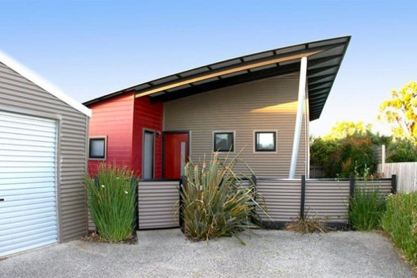 Modern small house for sale in australia for Minimalist house for sale