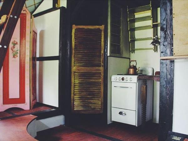 movie-set-tiny-house-012