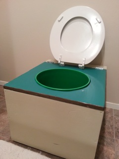 nicoles-diy-humanure-composting-toilet-project-06