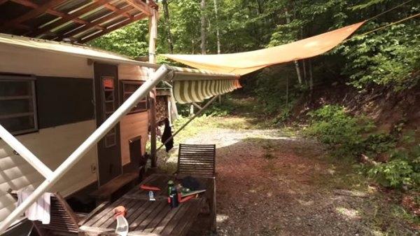 off-grid-camper-trailer-treehouse-006