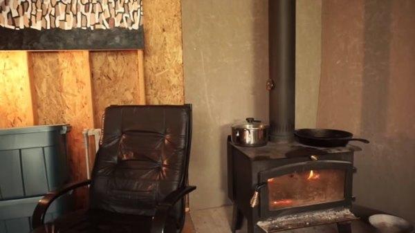 off-grid-camper-trailer-treehouse-019